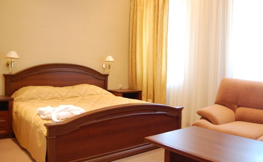 Номер с двуспальной кроватью в отеле HELIOPARK Residence