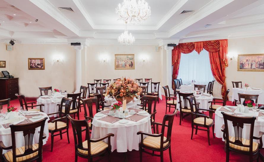 Интерьер ресторана Давыдов в классическом стиле