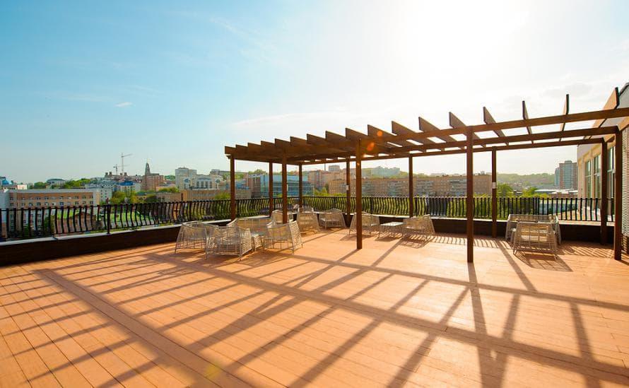 Eстественный солярий на крыше отеля HELIOPARK Residence