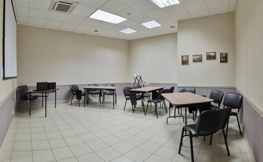 Территория загородного отеля HELIOPARK Lesnoy
