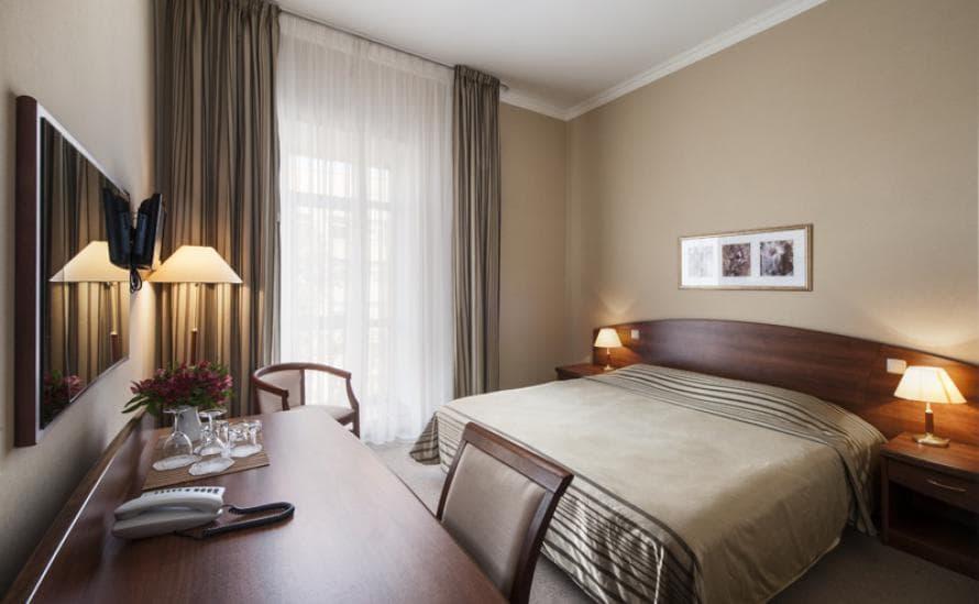 Однокомнатный номер с двуспальной кроватью в отеле HELIOPARK Residence