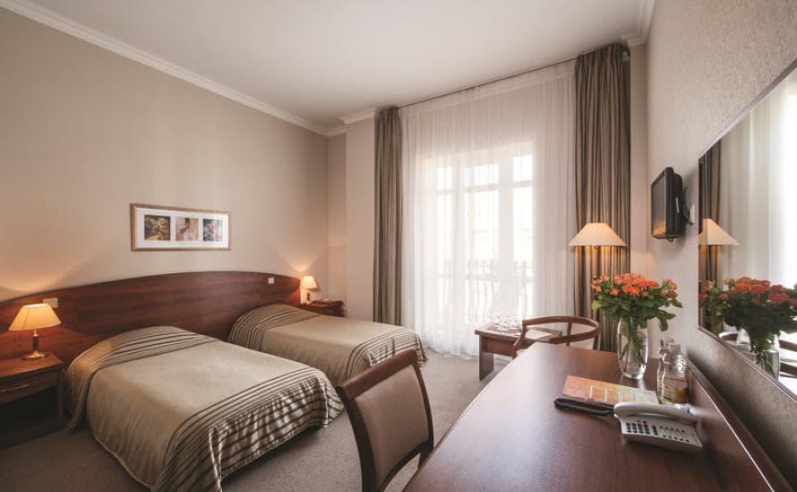 Номер с двумя раздельными кроватями в отеле HELIOPARK Residence